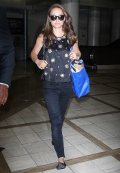 Natalie Portman @ LAX September 19, 2012 HQ x 12