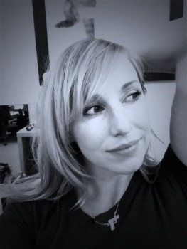 Kari Byron - Twitpic B/W 1MQ 2/10/12