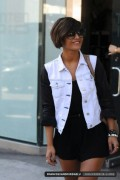Frankie Sandford: Very Leggy Leaving Recording Studio 10/02/2012 (38 MQ)