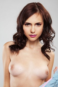 6ba863215242867 Nina Dobrev Nude Fake and Sexy Picture