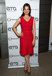 Carla Gugino @ Benefit For Opportunity International In Venice October 18, 2012 x 4