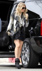 Fergie Shopping in LA 18th October x23