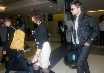 Robsten - Imagenes/Videos de Paparazzi / Estudio/ Eventos etc. - Página 10 Fc627e222019588