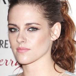 Kristen Stewart - Imagenes/Videos de Paparazzi / Estudio/ Eventos etc. - Página 31 B094c1225855198