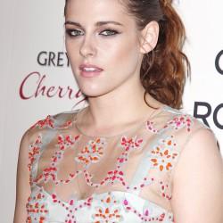 Kristen Stewart - Imagenes/Videos de Paparazzi / Estudio/ Eventos etc. - Página 31 C061c5225855744