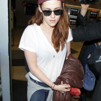 Kristen Stewart - Imagenes/Videos de Paparazzi / Estudio/ Eventos etc. - Página 31 A49262231916393