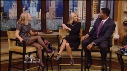 AnnaSophia Robb - Live with Kelly & Michael 1/14/13