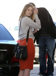Mischa Barton - at a gas station in Studio City 1/15/13