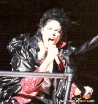 BAD WORLD TOUR  41bcb0232520738