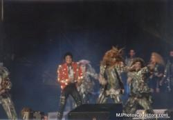 BAD WORLD TOUR  42f4d1232525289