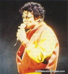 BAD WORLD TOUR  B46412232525200