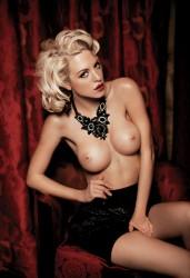 http://thumbnails102.imagebam.com/23289/b58324232880048.jpg