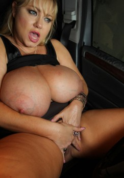 Samantha38g   Gigantic tits and Fat ass  Drive A bout