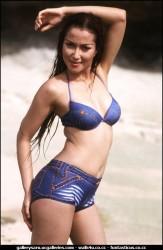 Foto Seksi Vulgar Najwa Model Hot Jaman Dulu di Majalah popular