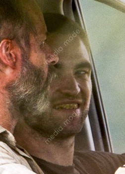 Imagenes videos en el set de The Rover 792612241532651