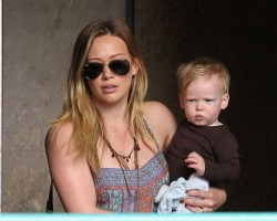 Hilary Duff - out and about in Sherman Oaks 3/13/13