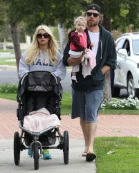 Jessica Simpson - Out for a stroll in LA 3/31/13