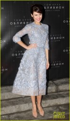 Olga Kurylenko - 'Oblivion' premiere in Moscow 4/1/13