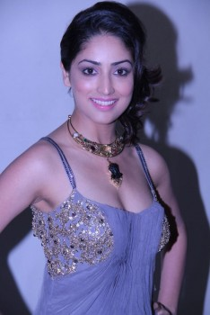 Yami Gautam [Indian Actress] photocall during her makeover for movie 'Vicky Donor'