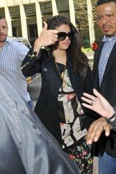 Selena Gomez - Arriving to Hooters for lunch in NYC 4/24/13