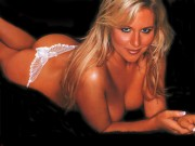 Abi Titmuss : One Hot Wallpaper