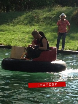 [PICS] 130427 NU'EST - Camping na Tailândia E4f2d3252006608