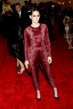 Kristen Stewart - Imagenes/Videos de Paparazzi / Estudio/ Eventos etc. - Página 31 Aa42b9253088377