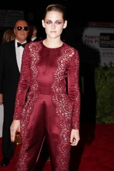 Kristen Stewart - Imagenes/Videos de Paparazzi / Estudio/ Eventos etc. - Página 31 39b7d8253097323