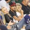Taylor Lautner - Imagenes/Videos de Paparazzi / Estudio/ Eventos etc. - Página 38 824ee8256336585