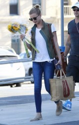 Emily VanCamp - at Gelson's Market in LA 5/29/13