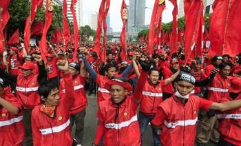 Buruh berunjuk rasa menolak kenaikan harga BBM - Ist.