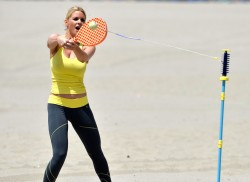 d4f337270455673 [Ultra HQ] Carrie Keagan   at a photoshoot in LA 8/13/13 high resolution candids