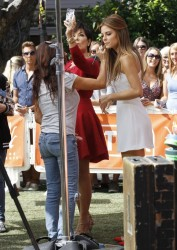 Maria Menounos - on the set of Extra in LA 8/20/13