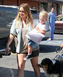 Hilary Duff - Taking her dog to the vet in Sherman Oaks 9/5/13