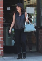 Jennifer Love Hewitt - out in Studio City 9/13/13