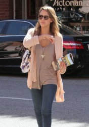 Jessica Alba - at a nail salon in Beverly Hills 10/5/13