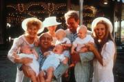 Близнецы / Twins  (Д,ДеВито, А,Шварценеггер, 1988)  3d9c1a282141403