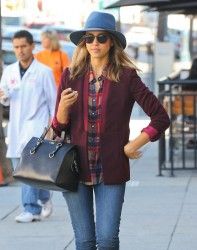 Jessica Alba - out in Beverly Hills 10/17/13