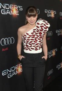 Hailee Steinfeld – Enders Game premiere in Hollywood Oct. 28