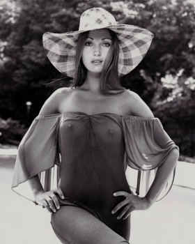 Is This Jane Seymour Picture Real ?