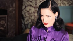 Dita Von Teese - Lingerie at Myer, Video