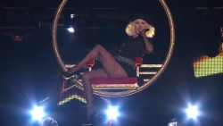 Christina Aguilera - Live on The Voice, Video
