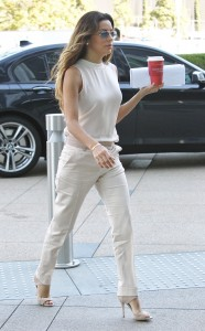 9b4040287255348 Eva Longoria – out and about candids in Century City