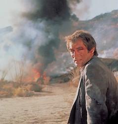 Джеймс Бонд 007: Лицензия на убийство / Licence to Kill (Тимоти Далтон, Роберт Дави, Бенисио Дель Торо, 1989) D2f9dc548503076