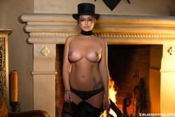 http://thumbnails102.imagebam.com/54852/0d4004548518799.jpg