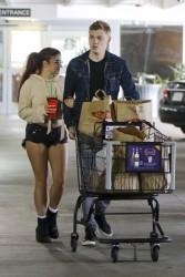 Ariel Winter Shopping With Her Boyfriend at Ralphs in Sherman Oaks - 6/6/17