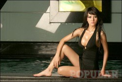 Cynthiara Alona hot seksi - wartainfo.com