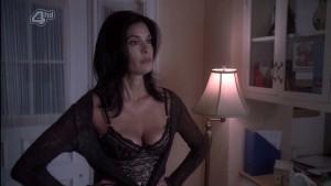 teri hatcher cleavage